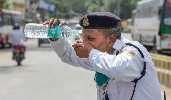 Delhi sizzles at 43-degree C, no respite likely on Wed