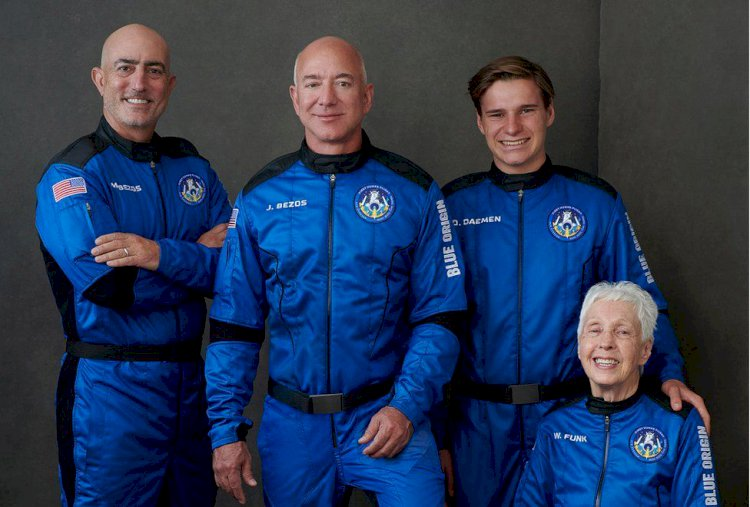 Jeff Bezos launches to space aboard New Shepard rocket ship